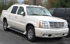 File:1st-Cadillac-Escalade-EXT.jpg - Wikimedia Commons