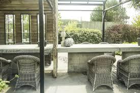 12 affordable outdoor garden room ideas