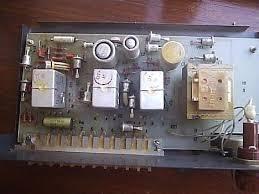 Прибор приёмно контрольный охранной сигнализации Сигнал М  Приёмно контрольный прибор Сигнал 37М со снятой верхней крышкой
