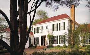 exterior color schemes with red roof. white house with a red roof exterior color schemes e