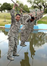 photo essay basic trainees tackle confidence course > u s air photo essay basic trainees tackle confidence course