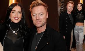 Light Up The Night Lyrics Boyzone Ronan Keating Enjoys A Night Out With His Daughter Missy 18