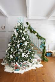 How To Decorate A Christmas Tree From Garland Christmas Tree Snow ...