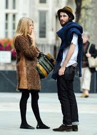 Sienna miller took to the streets of nyc sporting cool paper denim & cloth distressed boyfriend jeans ($218) so the next time you reach for your boyfriend jeans, channel sienna. Sienna Miller Smoking And Talking To Boyfriend Tom Sturridge Tom Sturridge Puts One Hand On His Boxers And The Other On Sienna For A Midday Kiss Popsugar Celebrity Photo 3