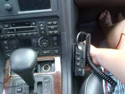 cb radio install land rover forums land rover enthusiast forum if i mount the cb where i would like to pictured above i was thinking of mounting the mic to the dash location between the center vents