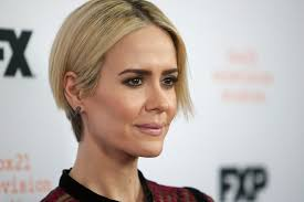 sarah paulson had to give herself real housewives hair to get acting roles glamour