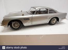 50 Jahre James Bond Auktion Bei Christie S London Uk 28 09 2012 Zur Feier Des 50 Jahrestages Der James Bond Film Christies Kündigt 50 Jahre James Bond The Auction Präsentieren Die Möglichkeit Bond