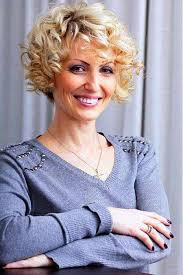 pictures of hairstyles for women over 50 with fine hair