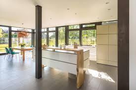 Blick In Die Küche Mit Esszimmer Fensterfront Küch