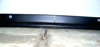 sealing garage door how