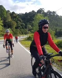 Lunamaya #bali #supportbali luna maya bareng sahabat sedang berkunjung ke bali lalu mampir dan menginap di. Bukan Sepeda Lipat 8 Seleb Indonesia Ini Pilih Road Bike Buat Go