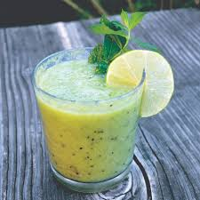 kiwi berry smoothie