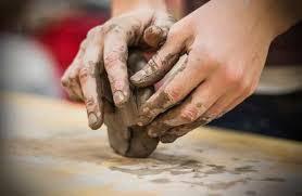 Znalezione obrazy dla zapytania wędrowna manufaktura ceramiczna