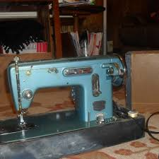 Good Housekeeper Sewing Machine For Sale