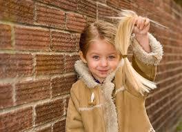 Dojemné Chlapec 3 Obětoval Své Vlasy Pro Děti S Rakovinou Pro