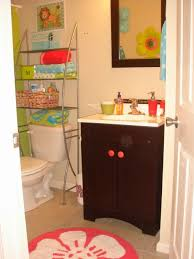 Delighful Apartment Bathrooms To Design Inspiration