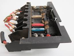 90 93 mercedes benz r129 500sl trunk small fuse box oem small fuse box or breaker box for 110 volts at Small Fuse Box