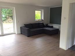 Die durchschnittlichen laminat verlegen kosten liegen in der regel zwischen 20 bis 40 euro pro quadratmeter. Pin Auf Bodenbelag