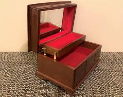 vine solid fine wood jewelry box organizer padded with red felt gold pattern on top mirror 8 1 2 w 5 1 2 d 5 h an