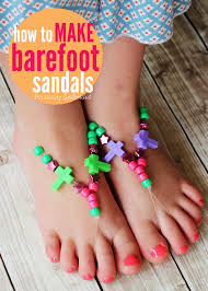 these barefoot sandals made with stretch cord and beads are such a fun kids