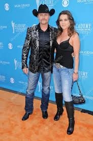 john rich and gretchen wilson at the 45th academy of country awards arrivals mgm grand garden arena las vegas nv 04 18 10 photo by s bukley