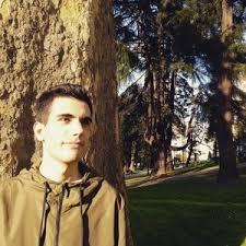 Alberto - Castrillón,Asturias: Estudiante de Medicina da clases nivel ESO a  domicilio de cualquier materia.