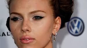 the 10 iest makeup looks of scarlett johansson