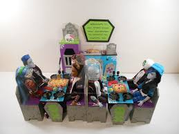 Monster High Furniture Crusty Crypt Pizzaria by