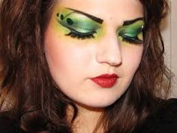 y green witch makeup for