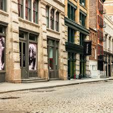 Перевод слова city, американское и британское произношение, транскрипция, словосочетания, однокоренные слова, примеры использования. After Coronavirus How Seasonal Migration And Empty Centres Might Change Our Cities