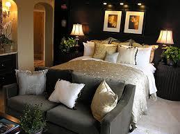 bedroom furniture interior design. Bedroom:Wonderful Queen Size Bed Spare Bedroom Furniture Interior Grey Sofa Combine Dark Brown Round Design I