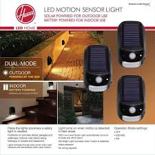 hoover led dual mode security light with solar and battery power 3 pack new