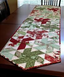 Christmas Table Runner Patterns Classy Table Runner NEW 48 FREE XMAS TABLE RUNNER PATTERNS