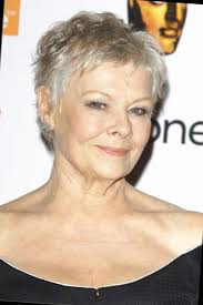 Modele Coiffure Cheveux Courts Femme 60 Ans Style Cue By