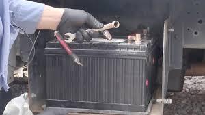 change truck battery in big truck 1