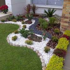 20 plain front yard landscaping ideas