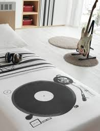 Bedroom: Inspiring Modern Bedroom Design With Music Themed - Wall System