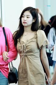 Golpean a Jennie de BLACKPINK con una maleta en el aeropuerto