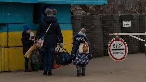 КПВВ Станица Луганская с апреля временно прекращает работу  Закрытие контрольного пункта въезда выезда обусловлено постоянными обстрелами боевиками района
