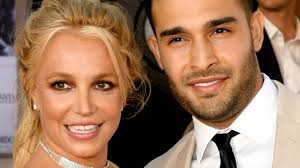 Britney spears' boyfriend sam asghari shared his support for her in a statement, amid a growing backlash against the media's treatment of spears during much. 0rhpxs5vptkpwm