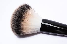 homemade tricks allow you to clean the makeup brushes with ings very economical if you do