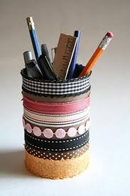 DIY Tin Cans Pencil Holder #tincansupcycle #tincancrafts #diypencilholders