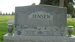 """Wesley Eugene """"Wes"""" Jensen (1919-2013) - Find A Grave Memorial"""