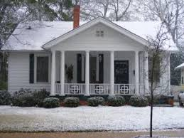 Guide to American Bungalow Styles    Colonial Revival Bungalow