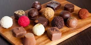 Что подарить научному руководителю обзор памятных женских или  Шоколадные конфеты ручной работы