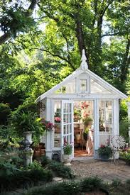 Pretty little garden shed greenhouse ...