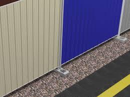 Recinzioni Da Giardino In Metallo : Pannelli recinzione temporanea grecato da cantiere in lamiera