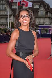 There are about three dozen species of plovers, 15 to 30 centimetres (6 to 12 inches) long, with long wings, moderately long legs, short necks, and straight bills that are shorter Audrey Pulvar Music Of My Life Premiere At The 45th Deauville American Film Festival Celebmafia
