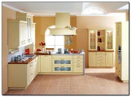 yellow paint colors for kitchen charming kitchen color ideas with oak cabinets 4 yellow paint colors yellow paint colors for kitchen