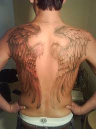 мужская тату с крыльями на спине
